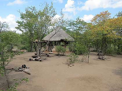 Timbavati-Bushveld-African-Village-Cooking-Hut