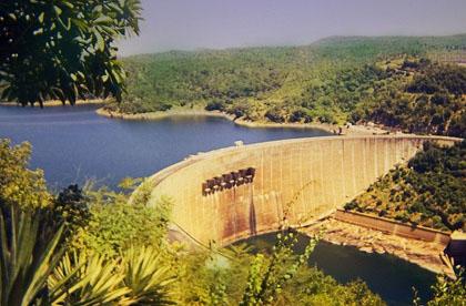Malaria-Area-Kariba-Dam-Lake-Wildmoz