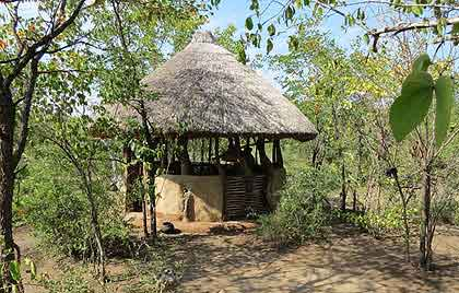 Marog-Traditional-African-Cooking-Hut-Wildmoz.com