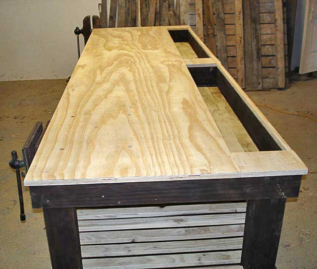 Pallet-Workshop-Table-3-Wildmoz.com