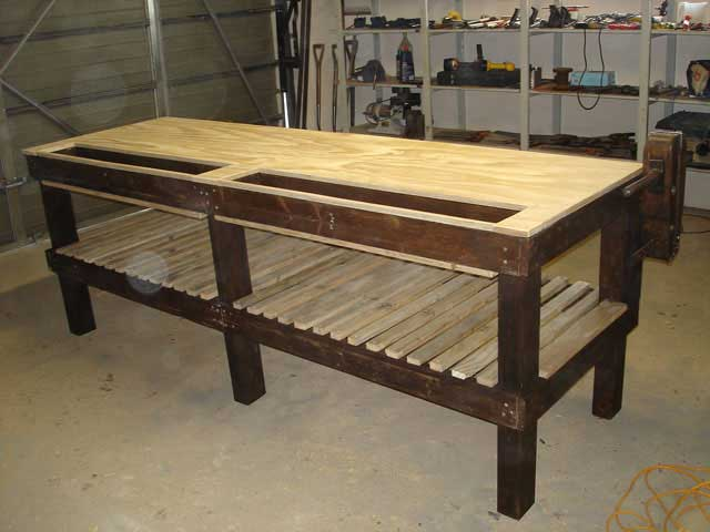 Pallet-Workshop-Table-4-Wildmoz.com