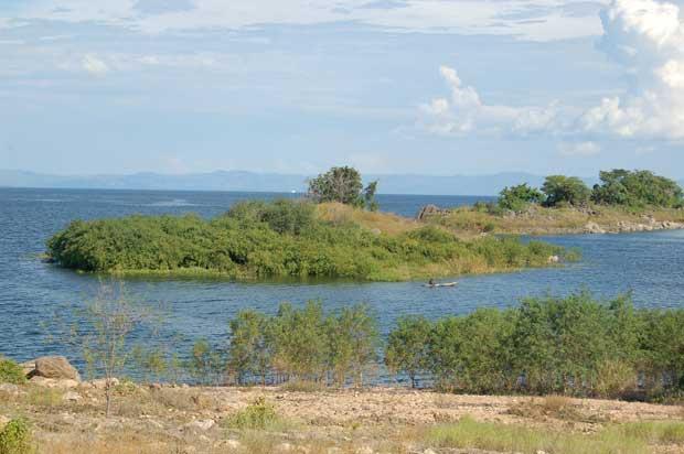 Kariba-Dam-Lake-Kariba-Zambia-Wildmoz.com