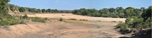 Wildmoz.com-Dry-River-Kruger-Drought