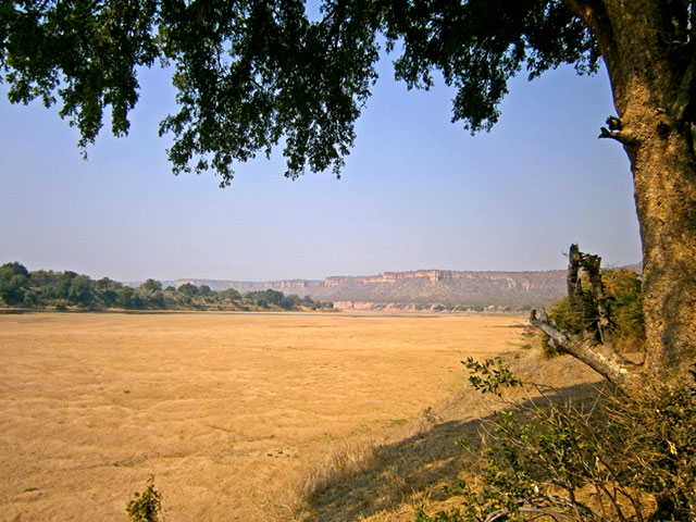 Chilojo-Cliffs-Gonarezhou-National-Park-Zimbabwe-Wildmoz.com