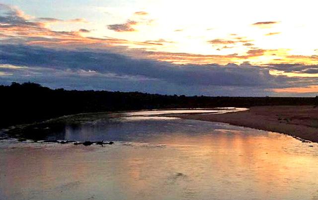 Lataba-River-running-drinking-water-Wildmoz.com