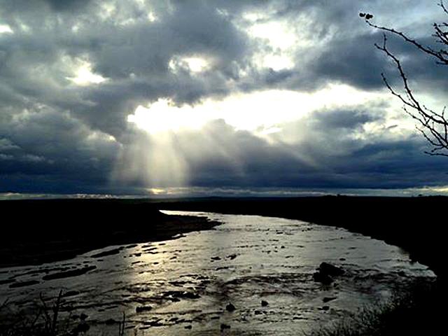 Olifants-River-running-drinking-water-Wildmoz.com