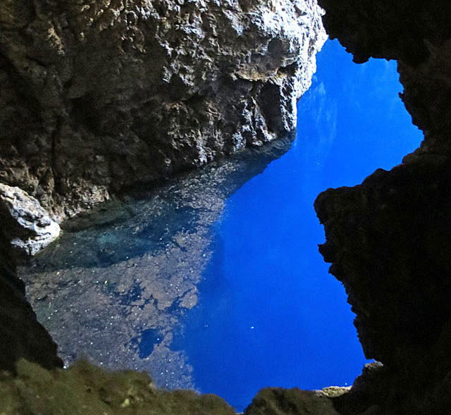 Chinhoyi-Caves-Blue-Light-Wildmoz.com