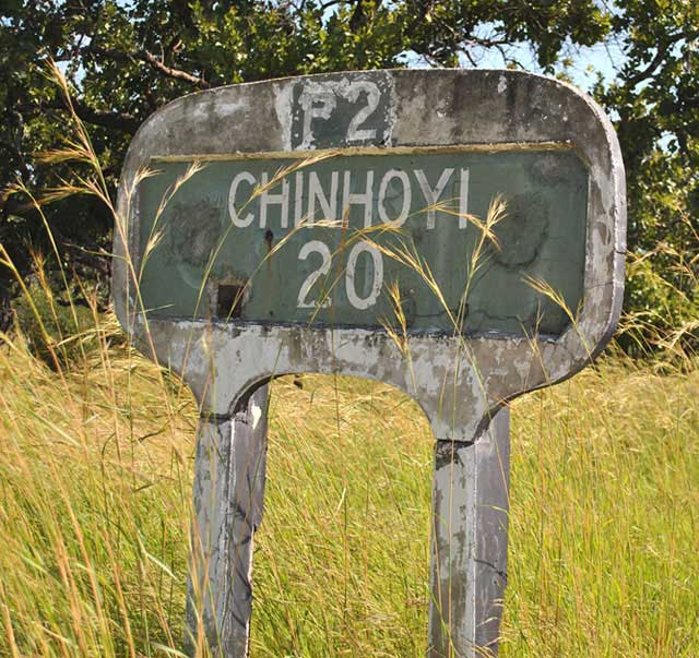 Chinhoyi-Caves-Distance-Sign-Wildmoz.com