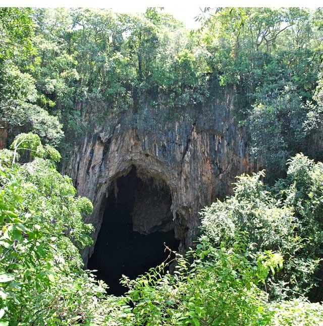 Chinhoyi-Caves-Sleeping-Pool-Wildmoz.com