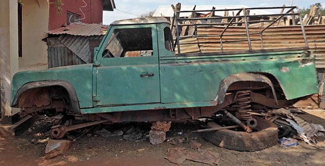 African-Land-Rover-Organ-Donor-Wildmoz.com