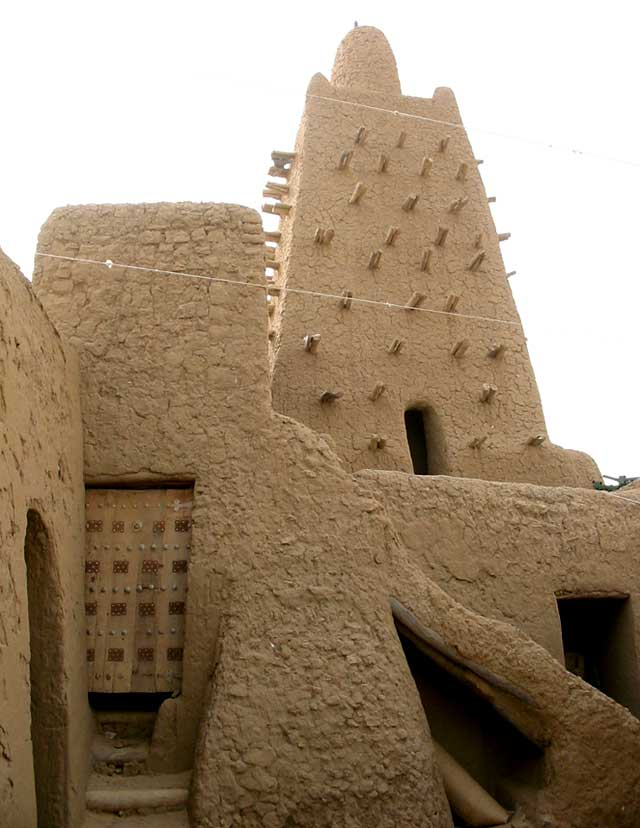 a-court-house-in-timbuktu-wildmoz.com
