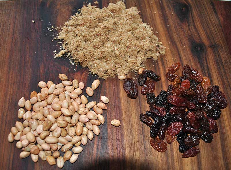 Trek-food-biltong-penuts-rasins-wildmoz.com