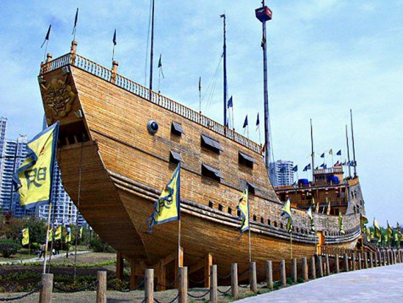 Zheng-He's-treasure-ship-replica-Wildmoz.com